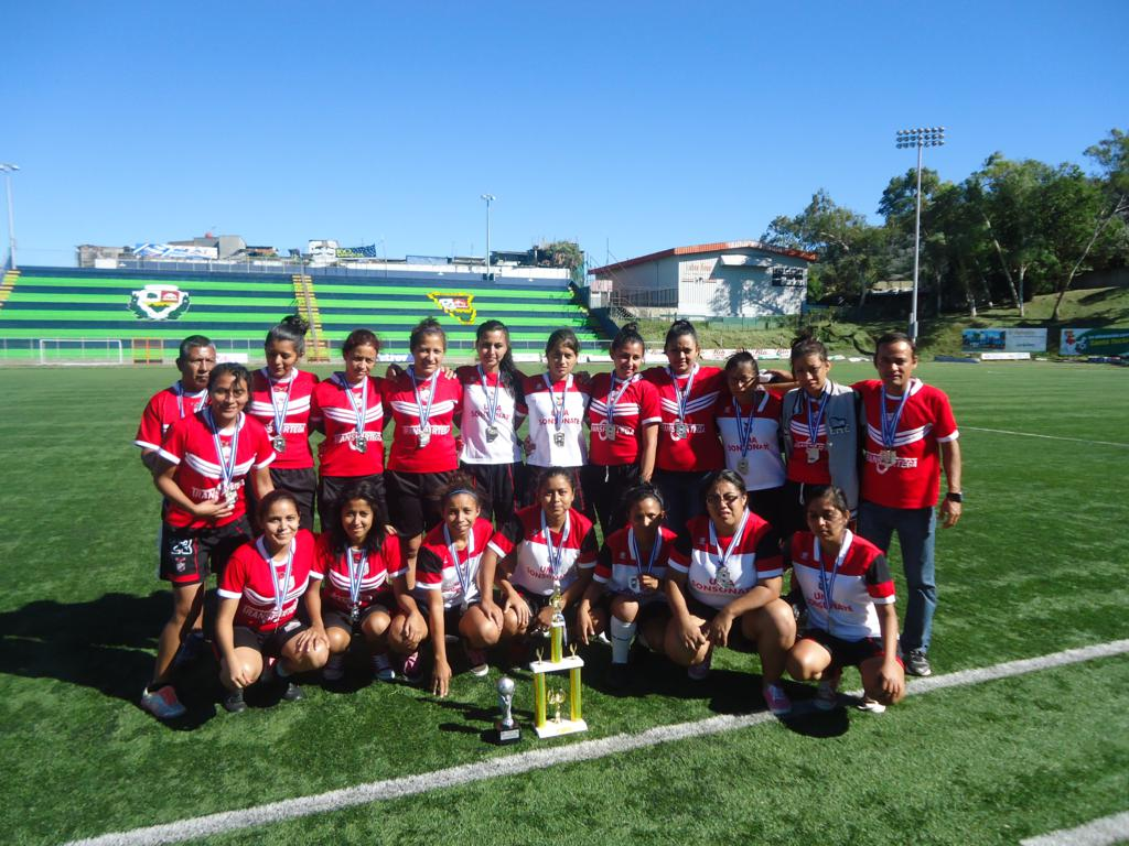 http://umasonsonate.edu.sv/images/GaleriaProyec/DeporteyCultura/Football Categoria Femenino.jpg